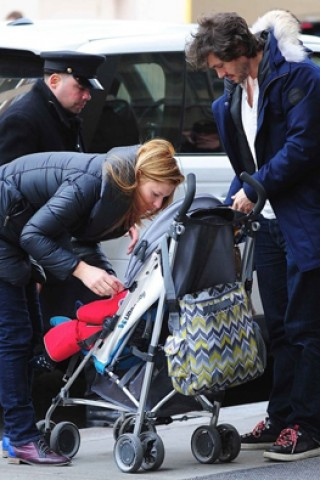 Claire Danes - Mother & Baby.co.uk - 6-10-14